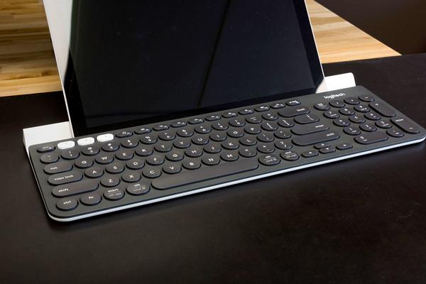 Logitech K780 Wireless Multi-Device Quiet Desktop Keyboard